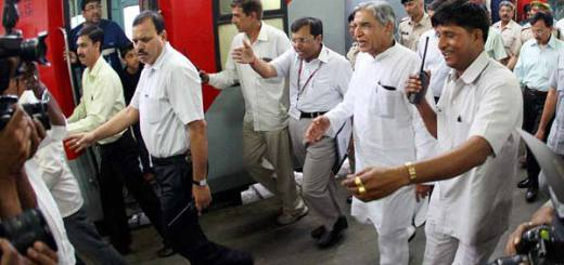 Indian Railways goes WiFi with Internet on Delhi-Kolkata Howrah Rajdhani Express